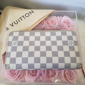 🖤Louis Vuitton Zippy Wallet